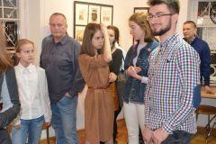 19-03galeria-podlaska_wernisaz-rysunkow-marceliny-31